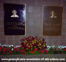 plaques of Fred and Mafalda DelGrosso