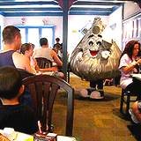 photo of Hershey Kiss character visiting a restaurant at Hershey Park