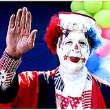 photo of a clown waving at Kennywood Park