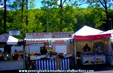 food vender trailers with specialty signs