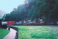 photo of the trains rounding the Horseshoe Curve
