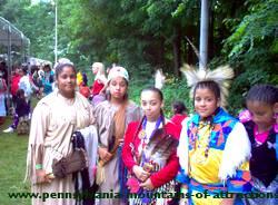 photo of Native American children enjoying the DelGrosso Park Pow Wow